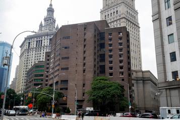 Affaire Epstein: les gardiens de prison inculpés à New York