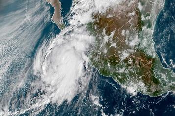 L'ouragan Paméla se rapproche de la côte pacifique du Mexique