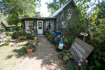 La Maison Jacynthe et quatre naturopathes visés par une poursuite