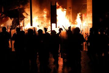 Liban: plus de 220 blessés dans des heurts entre manifestants et policiers