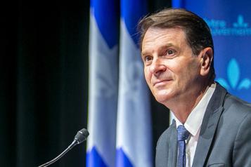 Québec veut électrifier les autobus scolaires)