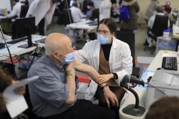 Vaccination Des centaines de rendez-vous reportés)