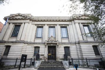 La bibliothèque Saint-Sulpice reçoit 1,4million de Québec)