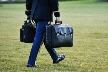 Trump absent, transfert en deux temps des codes nucléaires)