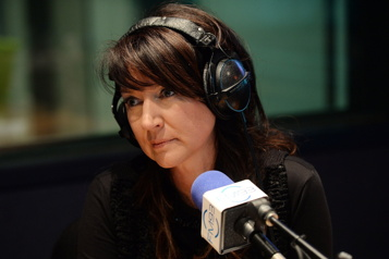 98,5 FM Nathalie Normandeau aura son émission quotidienne )