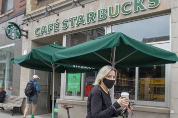 Aéroplan en partenariat avec Starbucks pour son programme de points)