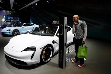 La Porsche Taycan Turbo a une autonomie de 323 km, selon l'EPA; c'est peu.