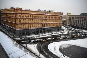 Devant les services secrets Moscou suspend un vote controversé sur un monument)