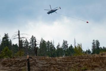 Incendies de forêt en Colombie-Britannique Le temps frais et pluvieux attendu pourrait venir en aide aux pompiers)