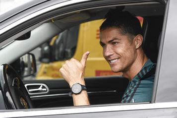 Ronaldo se rapporte au camp de la Juventus)