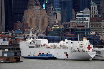 Le navire-hôpital Comfort ne traitera pas les malades de la COVID-19