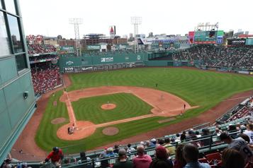 Le Fenway Park de Boston pourra être rempli le 29mai)