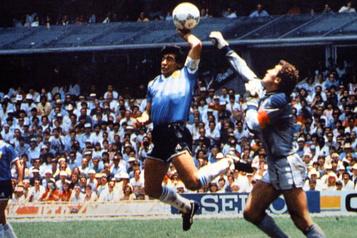 La « Main de Dieu », le but controversé de Diego Maradona au Mondial de 1986)