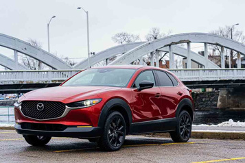 Banc d'essai  Mazda CX-30 Turbo : l'ascension commence)