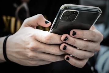 Agressions et harcèlement: dénoncer sur les réseaux sociaux comporte des risques)