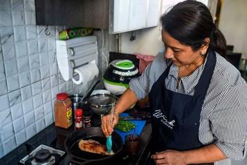Inde: des femmes au foyer deviennent web-restauratrices
