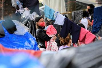 COVID-19: hausse des violations des droits des migrants en Amériquelatine)