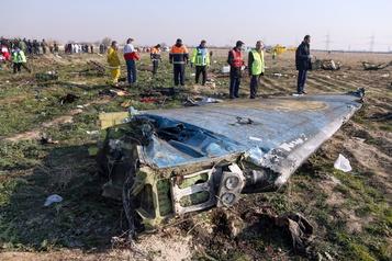Avion abattu en Iran: les boîtes noires envoyées en France en juillet)