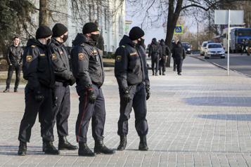 Biélorussie Deux journalistes affirment avoir été torturés pendant leur détention)