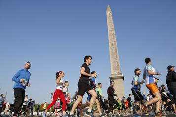 COVID-19: Le marathon de Paris est annulé)