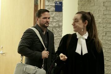 Un policier de Longueuil subit son procès pour vol de données sensibles