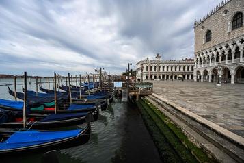 Venise, une ville morte sans les touristes)
