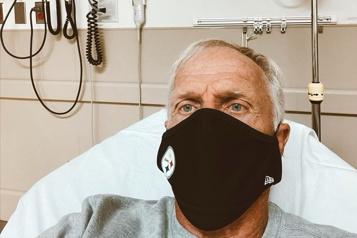 Le golfeur australien Greg Norman hospitalisé pour COVID-19)