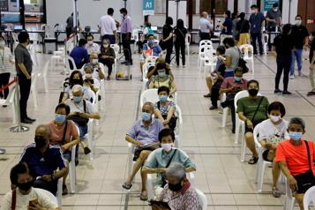 Vaccinsanti-COVID-19 Plus de 1,5milliard de doses administrées dans le monde)
