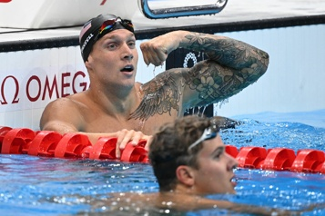 100m papillon Caeleb Dressel champion olympique en empochant le record du monde)