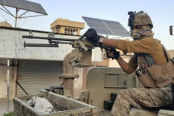 Conflit entre talibans et forces afghanes Une ville prise enétau)