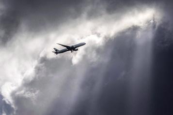 Air Canada mobilise 1,6milliard pour mitiger les pertes liées à la pandémie)