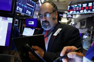 Bousculé par la crainte d'une récession, le Dow Jones s'enfonce et perd plus de 2%