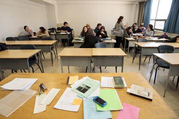 Cégeps et universités: Québec veut des étudiants sur les campus cet automne)