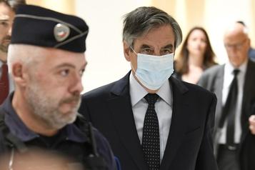 France: deux ans de prison ferme pour l'ex-premier ministre François Fillon)