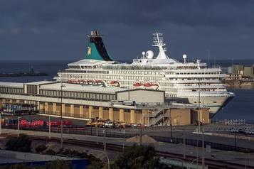 Le navire Artania autorisé à accoster en Australie
