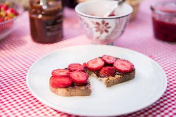 Tartines deuxfaçons aux fraises duQuébec)