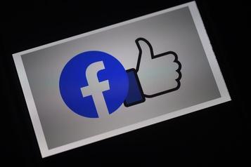 Facebook supprime de faux comptes chinois liés à l'élection américaine)