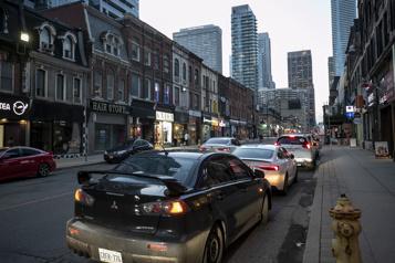 La Presse à Toronto Toronto cible les quartiers chauds )