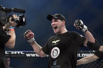 UFC Marc-André Barriault fait un retour victorieux)
