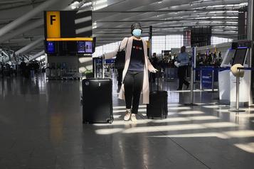 COVID-19 Heathrow fera des tests pour les vols vers Hong Kong et l'Italie)