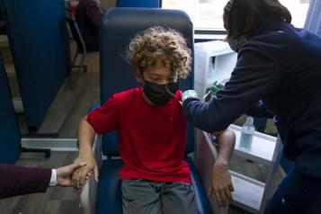 L'OMS appelle à ne pas vacciner les enfants et à privilégier les pays défavorisés)