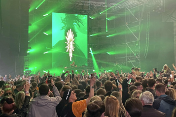 COVID-19 Des fêtards dansent à Liverpool pour deux soirées-test)