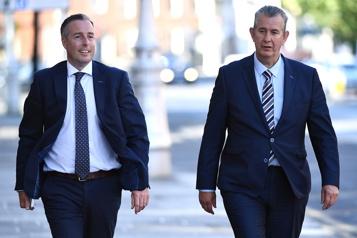 Irlande du Nord Unionistes et républicains reconduisent la gouvernance partagée)