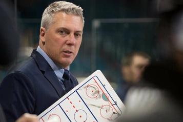 Islanders de Charlottetown Jim Hulton est le DG de l'année dans la LHJMQ)