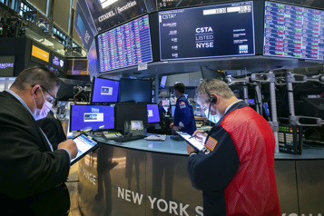 WallStreet chute de plus de 2% après la Fed)