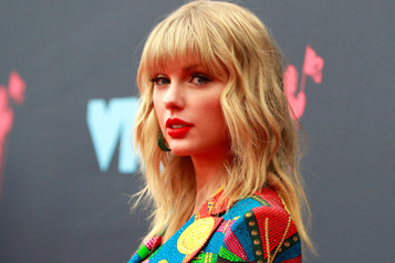 Taylor Swift autorisée à chanter ses vieux succès à la télé