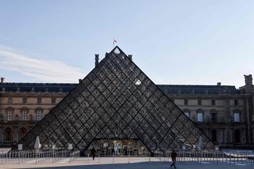 Le Louvre propose aux enchères des tableaux offerts par des artistes)