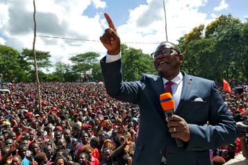Présidentielle au Malawi: le chef de l'opposition en tête)
