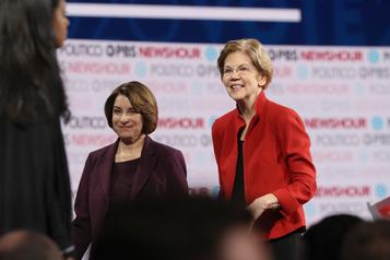 Primaire démocrate: le New York Times soutient Warren et Klobuchar