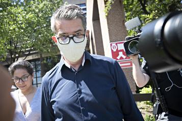 Agression sexuelle: André Boisclair plaide non coupable)
